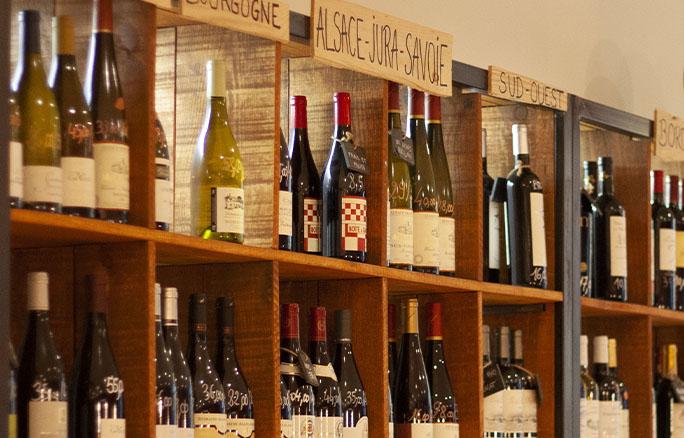 Bouteilles intérieur bar à vin Wine More Time